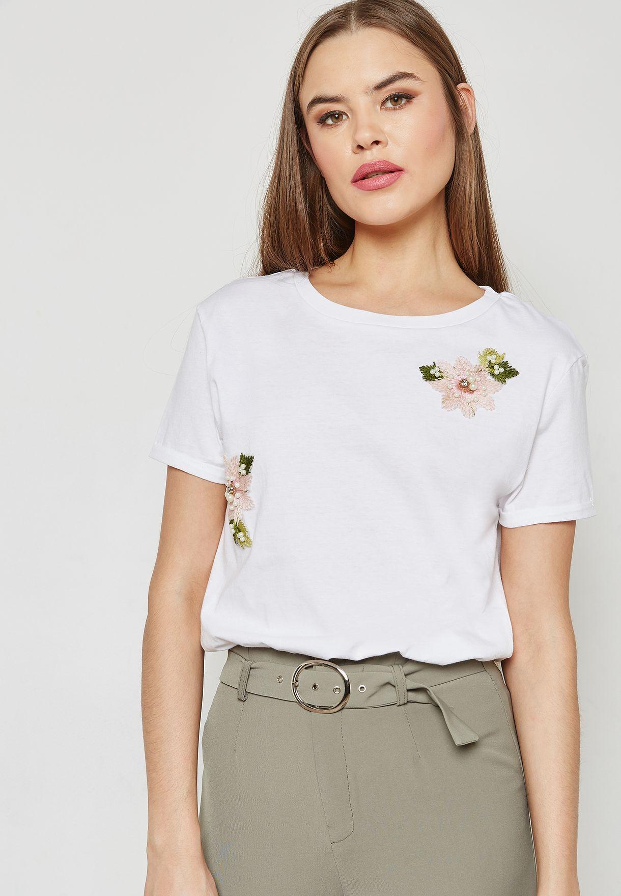 a723f1e1d0149e Shop Ella white Pearl Badge T-Shirt 40TOP13463 for Women in Kuwait -  EL314AT94HNP