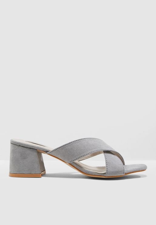 Ayeh Crossover Sandals