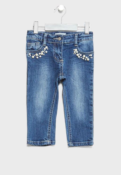 بنطال جينز مزين باللؤلؤ