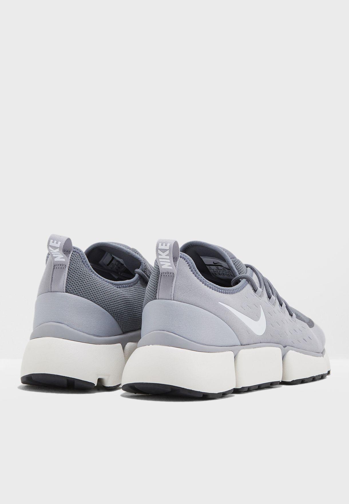 88a2aecd56863 Shop Nike grey Pocket Fly DM AJ9520-005 for Men in UAE - NI727SH84XTB
