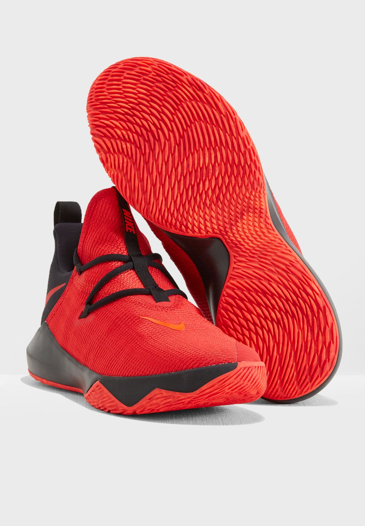 57aef5ed6951 Shop Nike red Zoom Shift 2 AR0458-600 for Men in UAE - NI727SH74MCN
