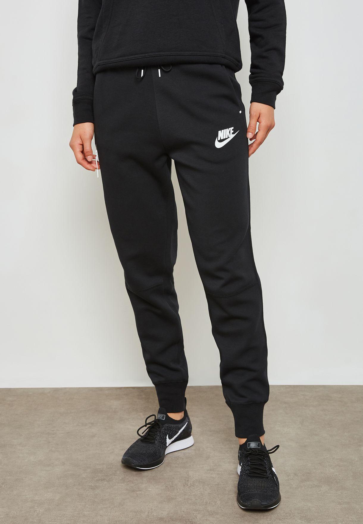 Buy Nike Black Tech Fleece Sweatpants For Women In Mena Worldwide 931828 011