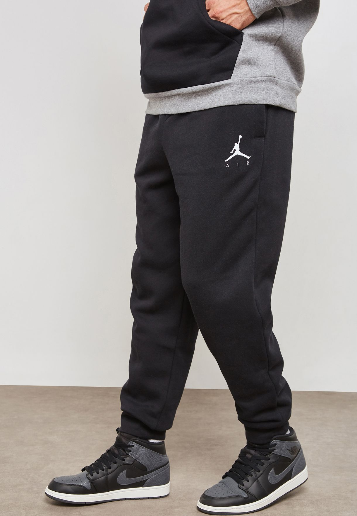 ac71df88296e93 Shop Nike black Jordan Jumpman Fleece Sweatpants 940172-010 for Men ...