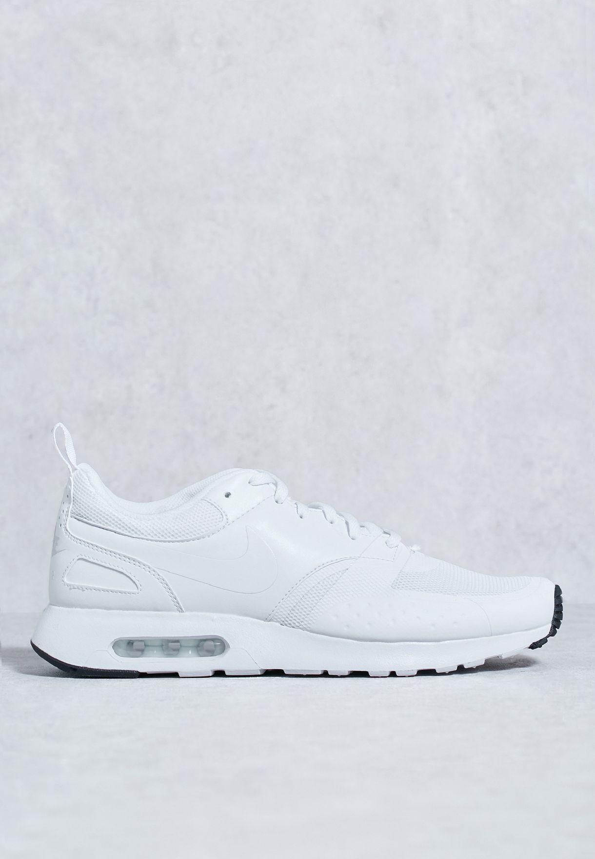 cd6b0e3080 Shop Nike white Air Max Vision 918230-101 for Men in Bahrain ...