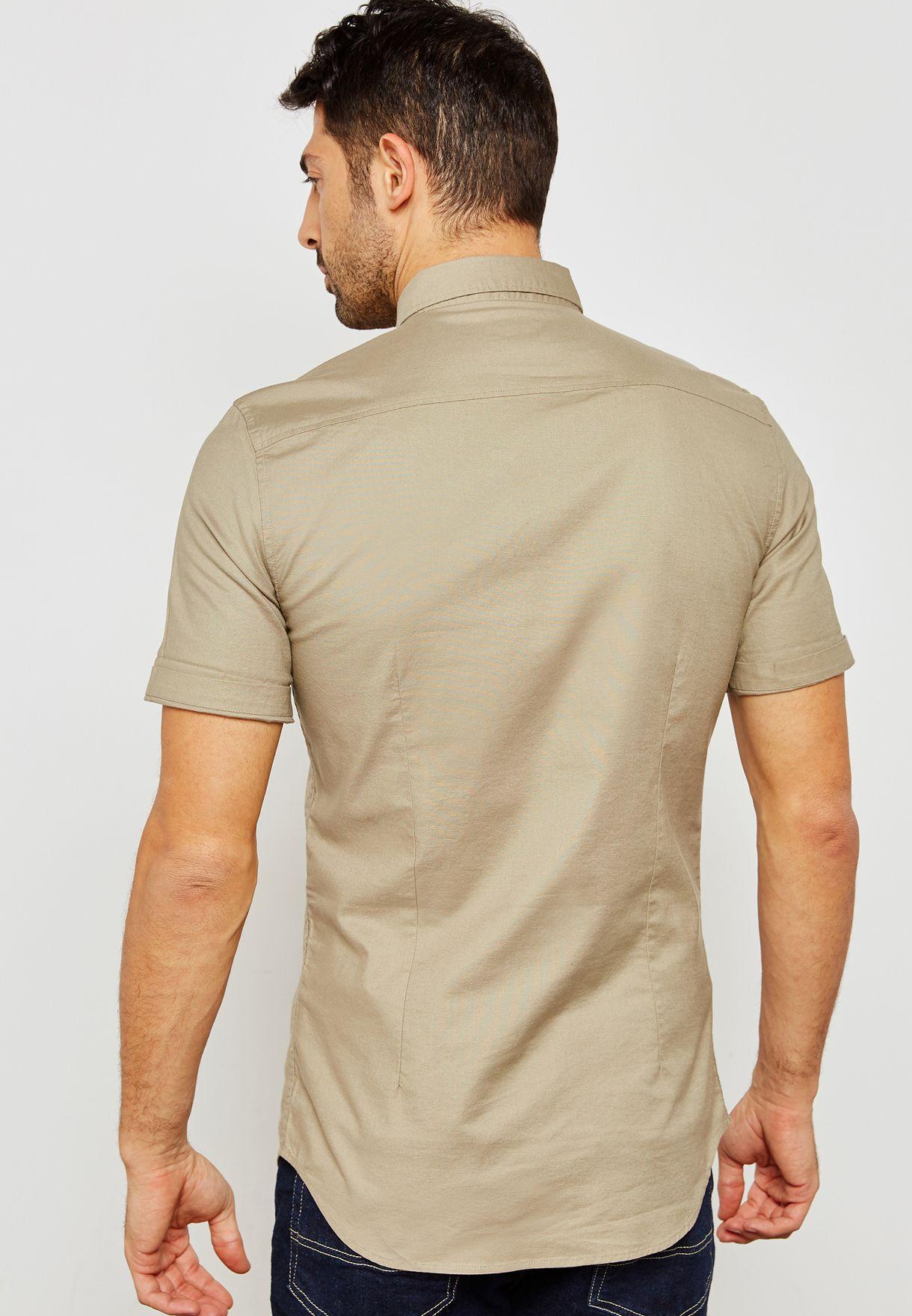 قميص لابراز العضلات