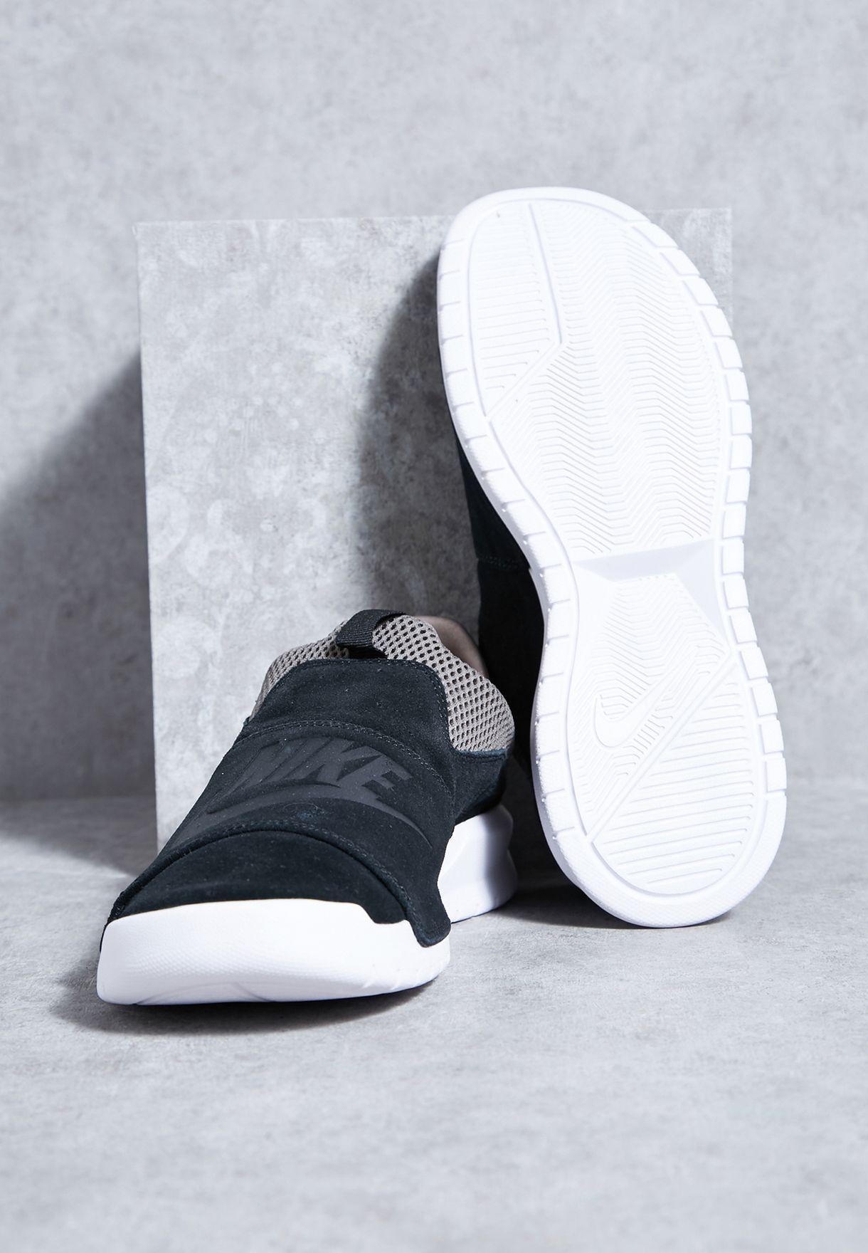 quality design ae70d d65c3 Nike. Benassi Slip