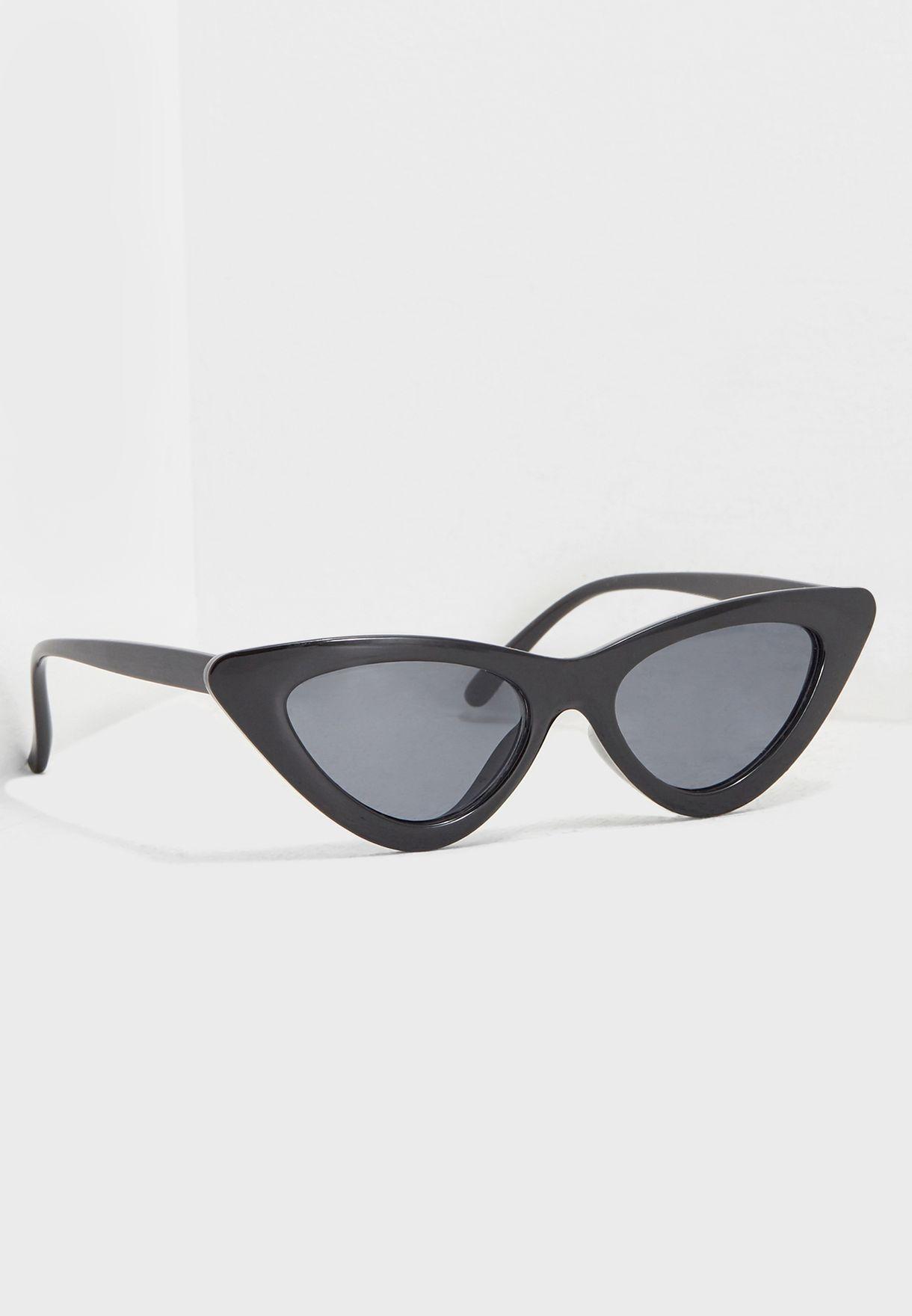 نظارة شفافة بنمط عين قطة