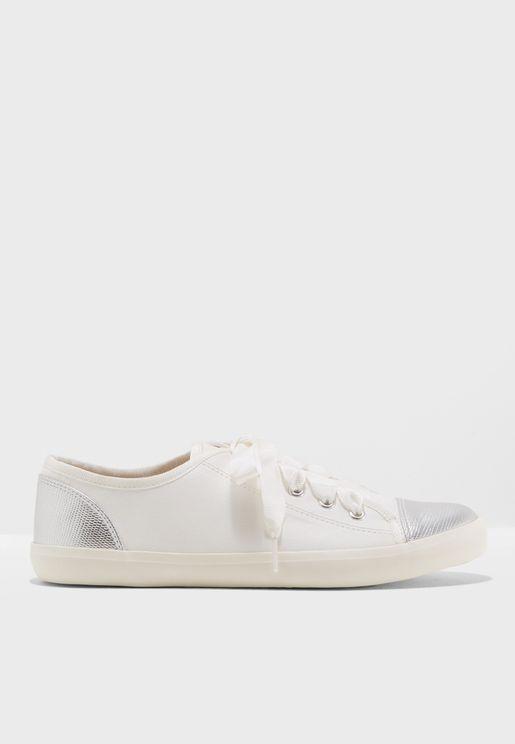 Lucca Sneaker