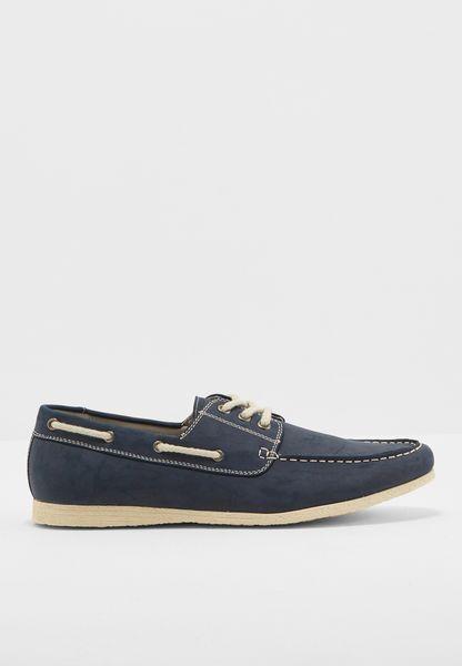 حذاء بوت