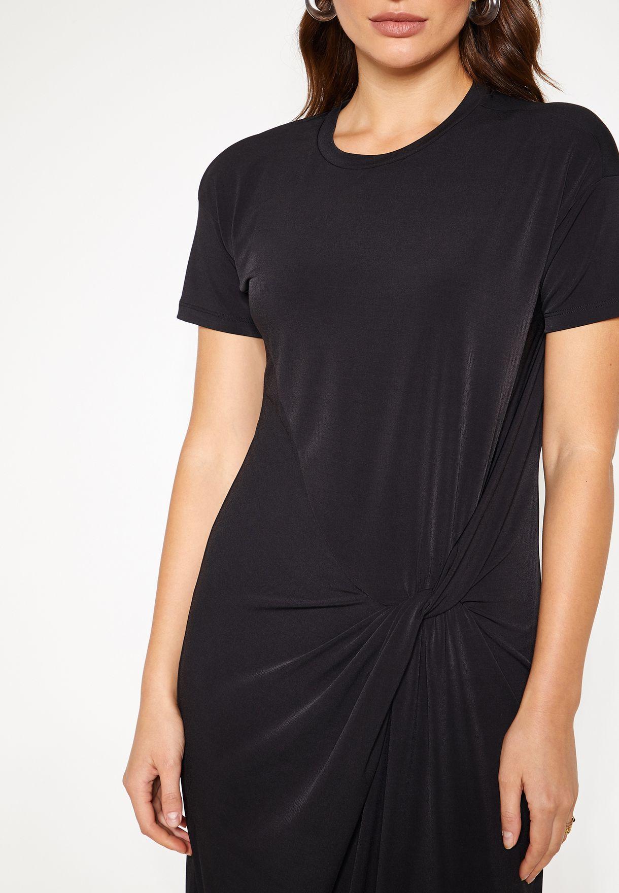 فستان بعقدة جانبية