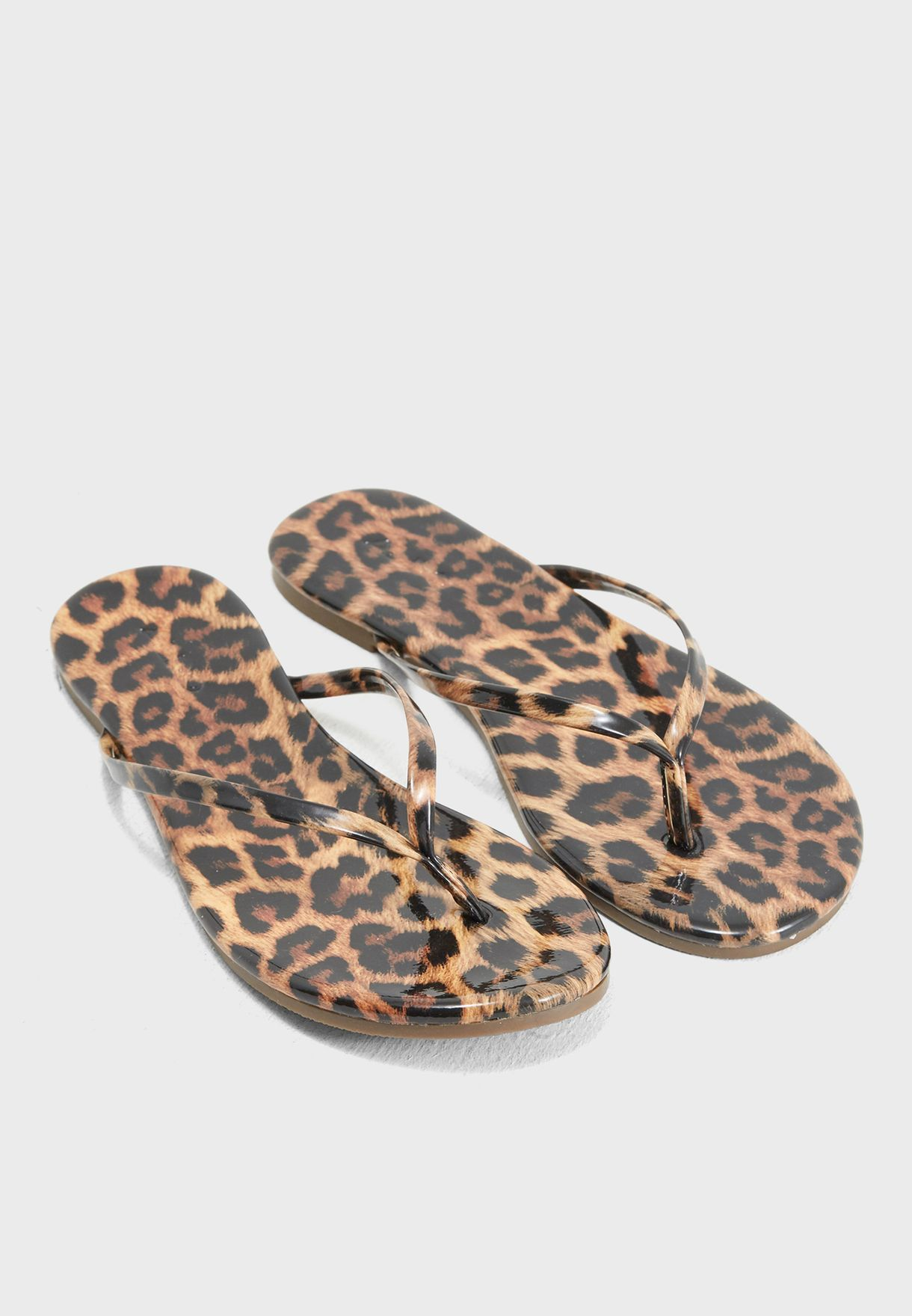 Virecia Flat Sandal
