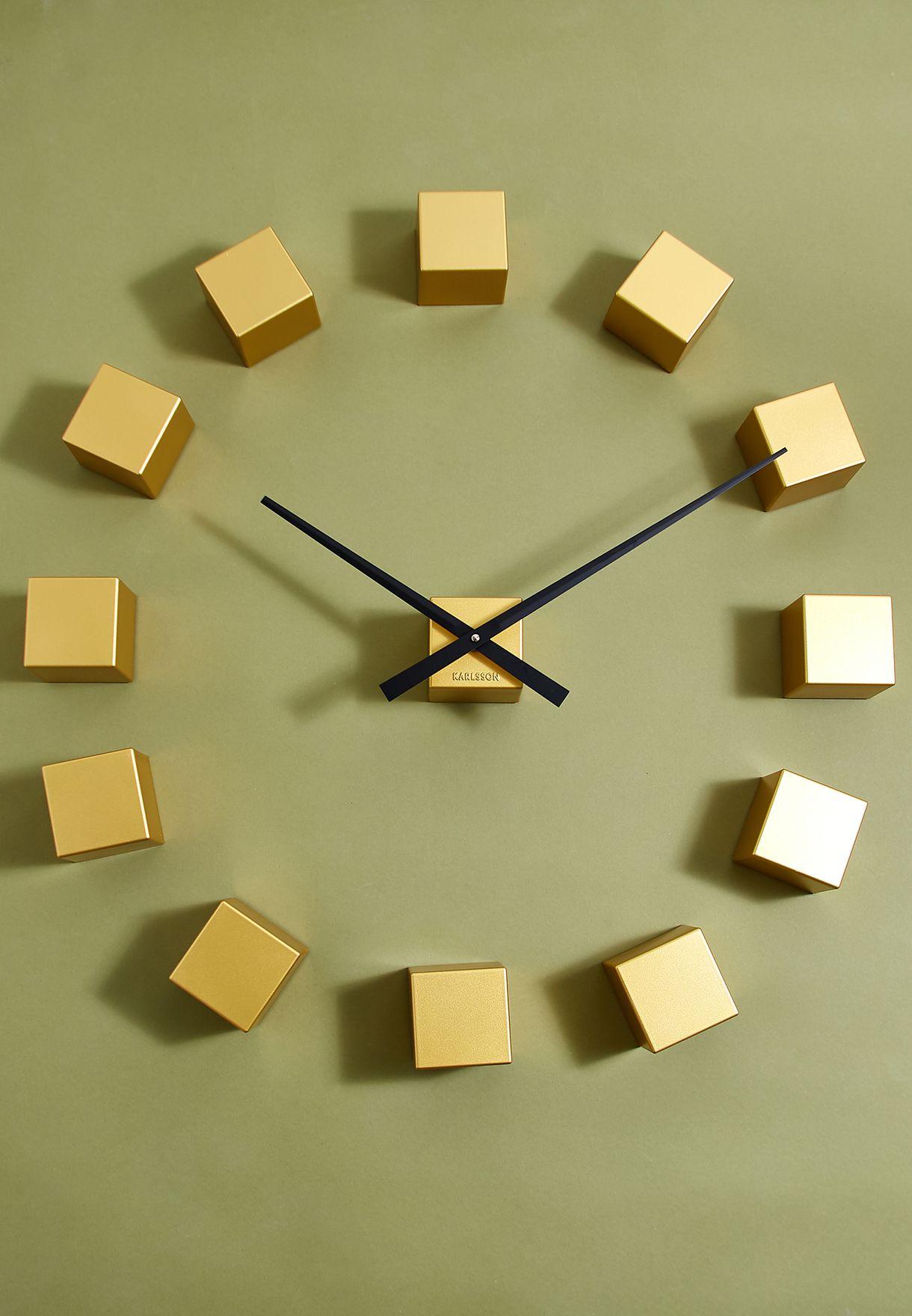 ساعة حائط من 12 مكعب