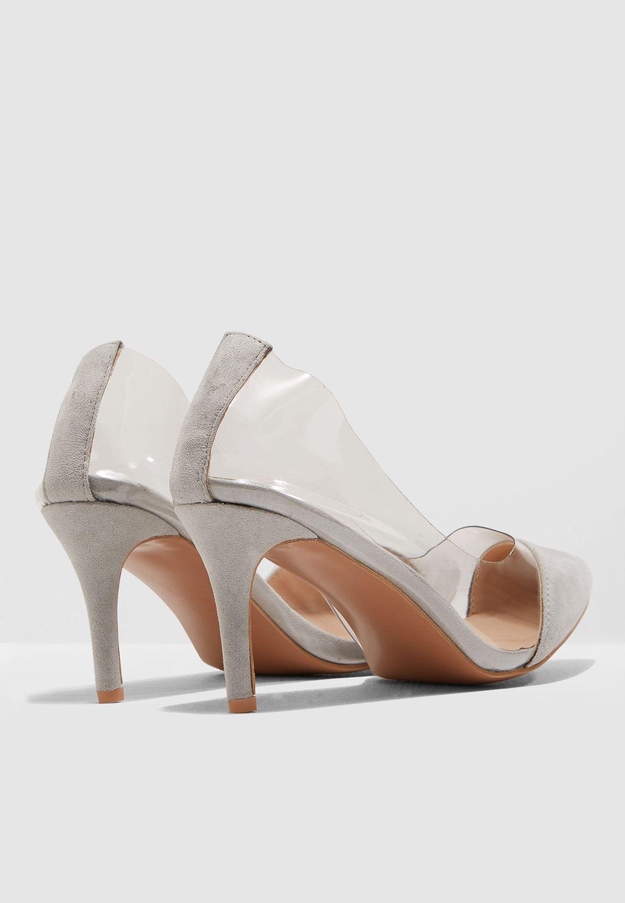 حذاء شفاف بمقدمة شامواه