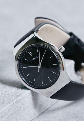 خرید ساعت مردانه بند مشکی عقربه ای صفحه سیاه