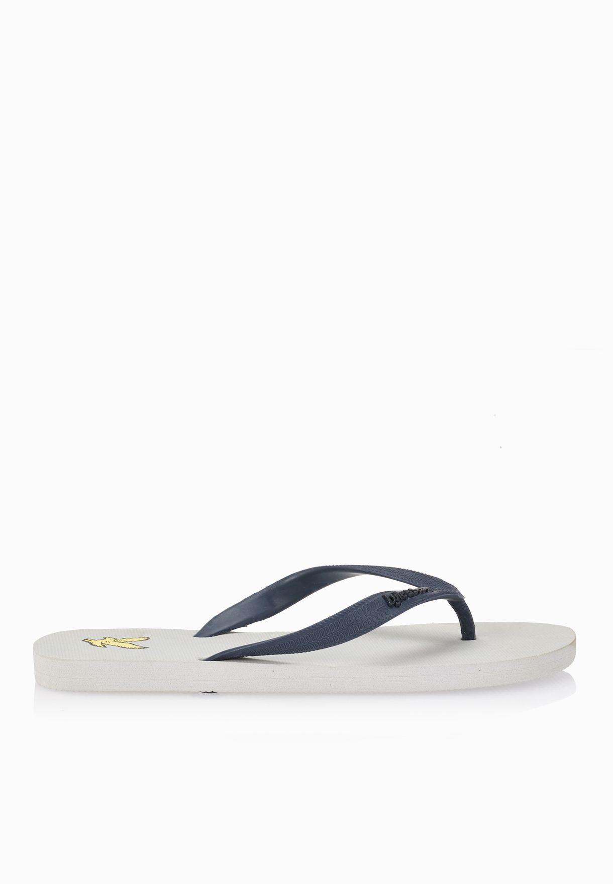 2541482ed84d15 Shop Lyle Scott grey Brora Flip Flops FW018V99 for Men in Qatar -  LY916SH44CMH