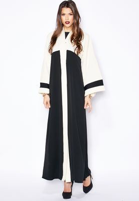 Haya's Closet Colourblock Detailed Embroidered Abaya