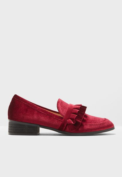 حذاء مخمل سهل الارتداء
