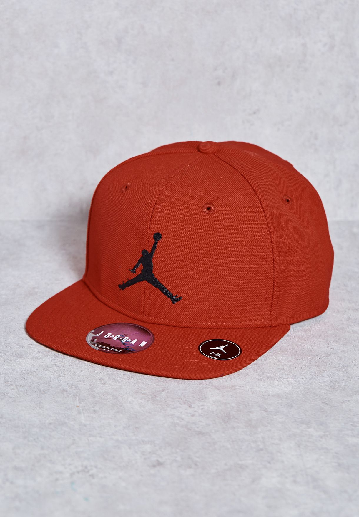 143eeeb23a4 Shop Nike red Jordan Jump man Fitted Cap 619359-688 for Men in UAE ...
