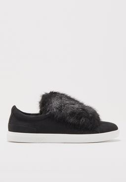 Ladies Flat Velcro Sneaker With Fur Tongue