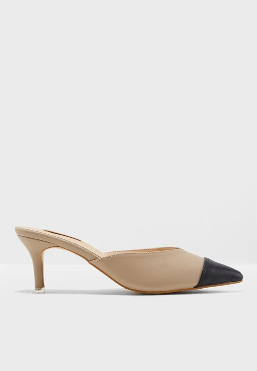 Acxa Heeled Pumps