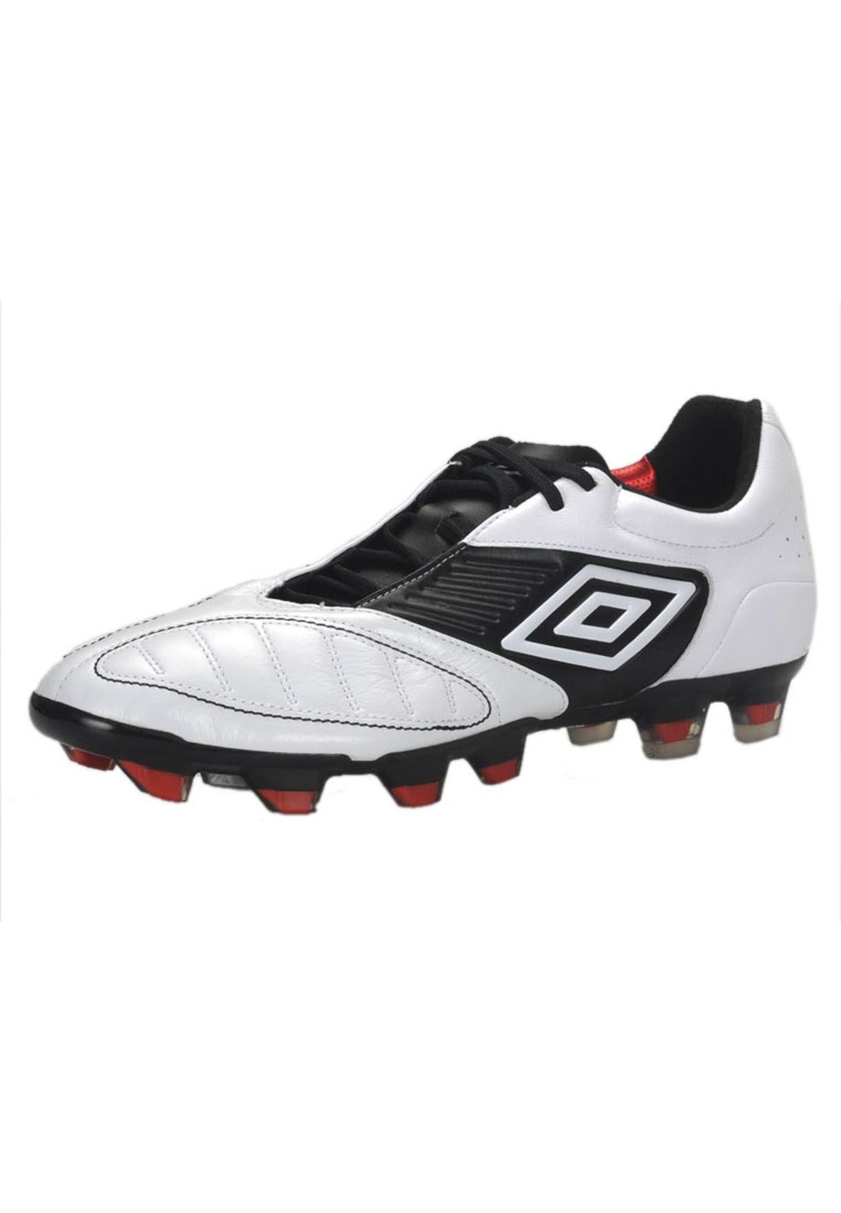 187cb8526d803 تسوق Uywd Football Shoes ماركة امبرو لون أبيض في السعودية - UM027SH14AKZ