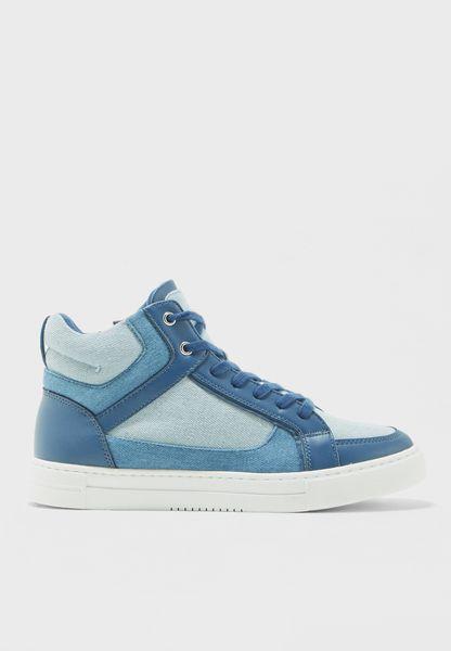 Zilia Sneaker