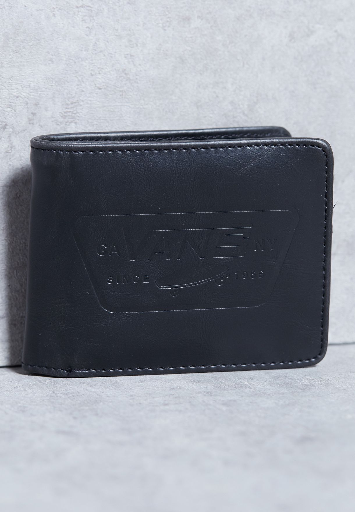 66b719af252ae8 Shop Vans black Full Patch Bifold Wallet VA0YYBLK for Men in Saudi -  VA088AC04ENR