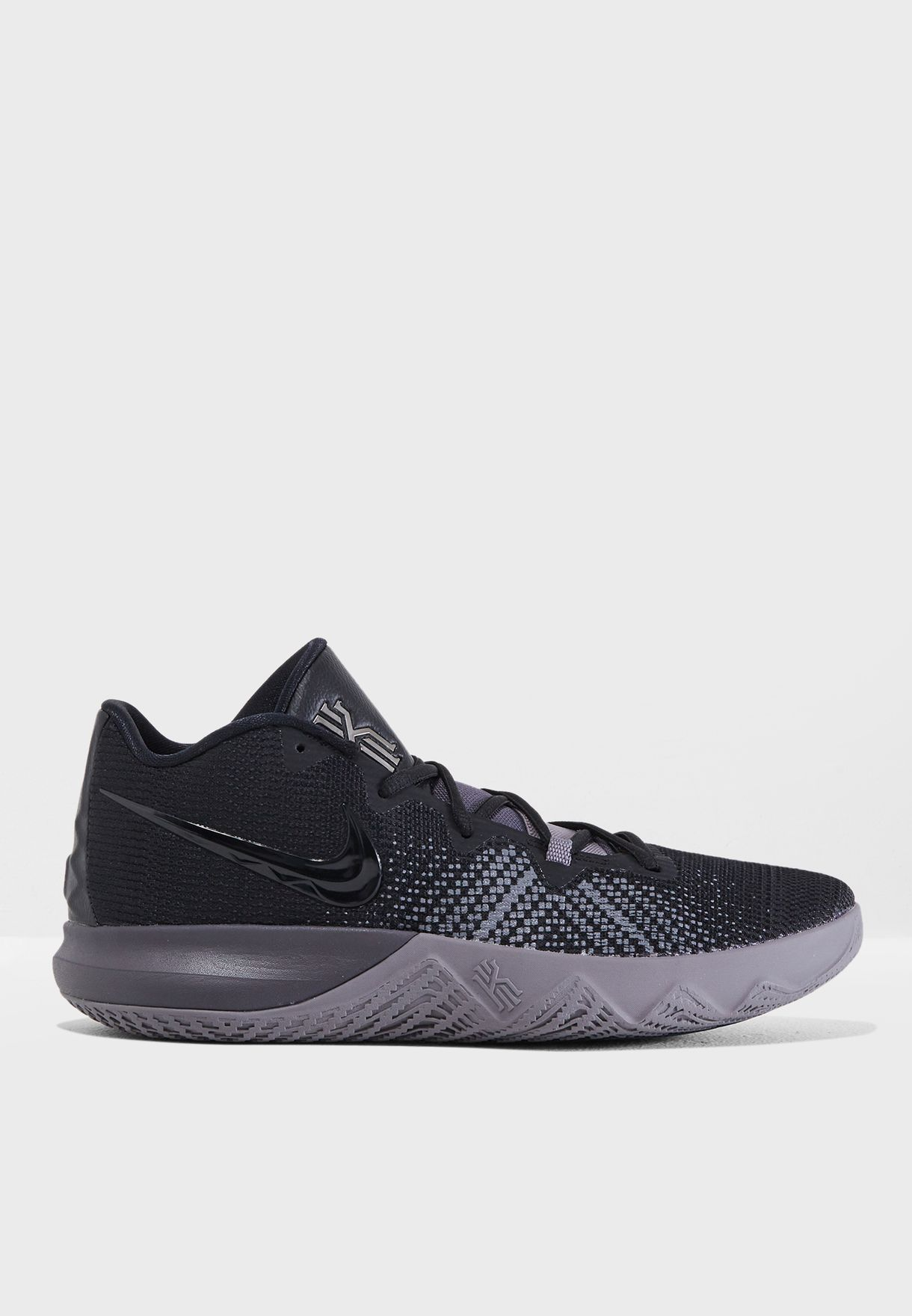 711a0096e172 Shop Nike black Kyrie Flytrap AA7071-011 for Men in Saudi - NI727SH04CLJ