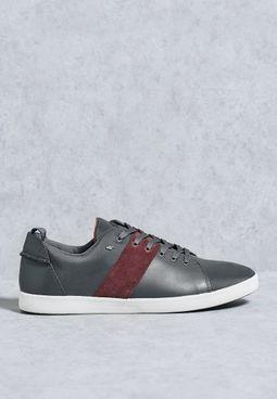 Finit Sneakers