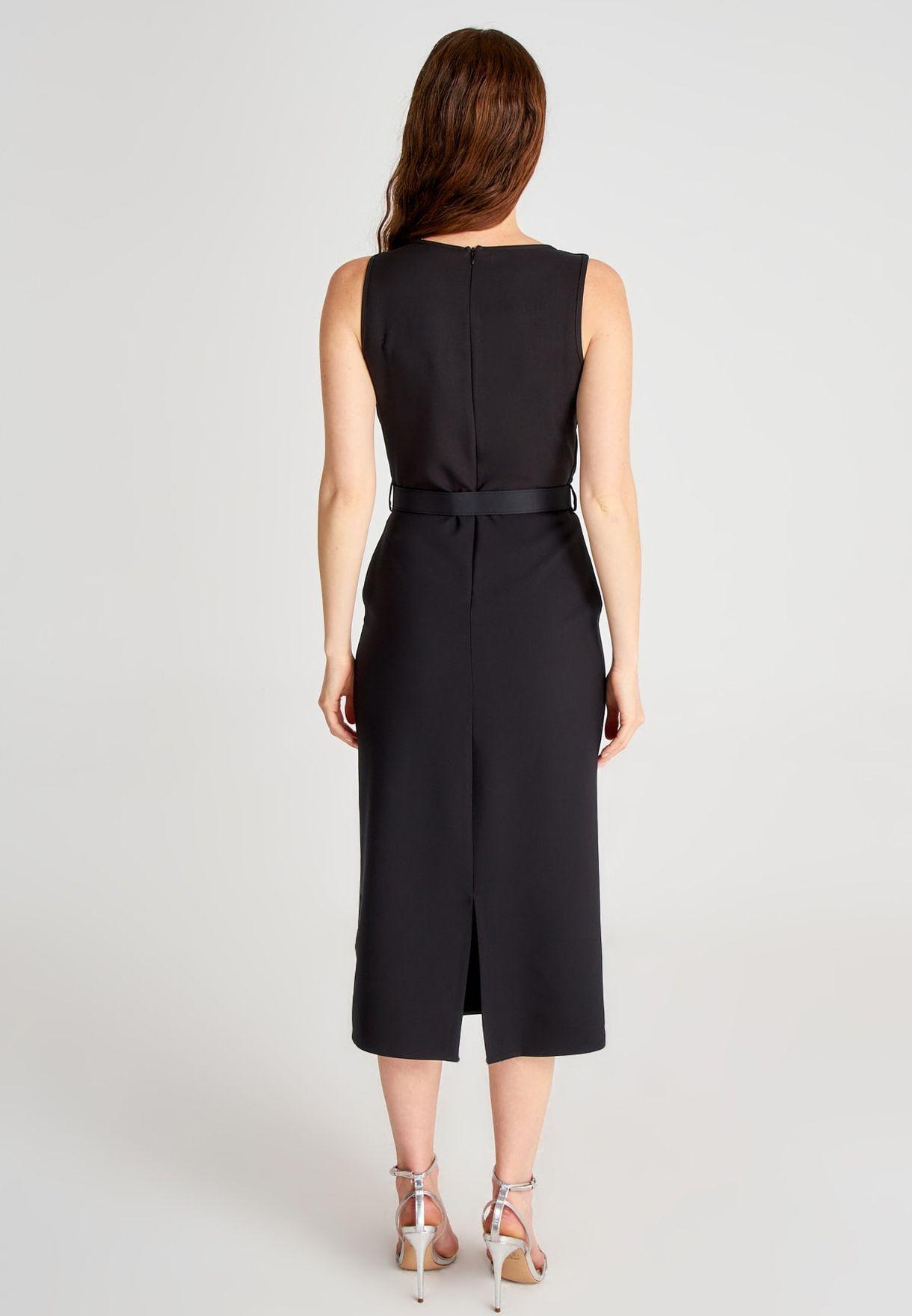 فستان مع حزام