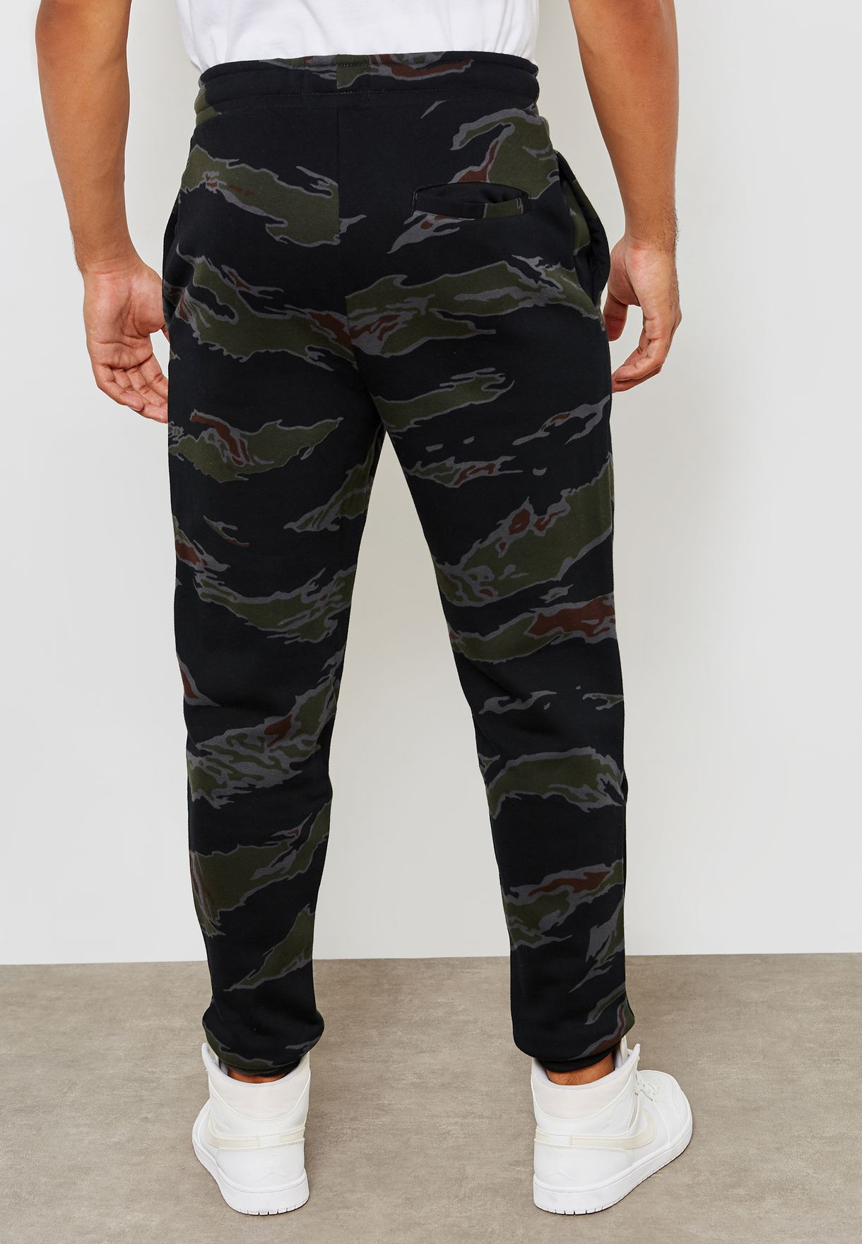 204093bef83384 Shop Nike prints Jordan Jumpman Fleece Camo Sweatpants AV2316-010 ...