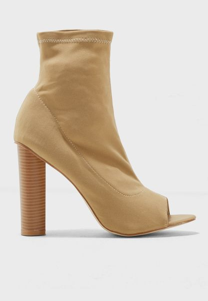 Ares High-Heel Ankle Boots