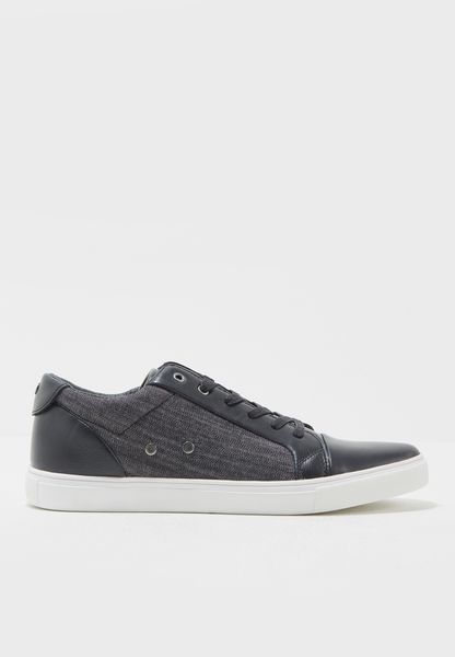 Torence Sneakers