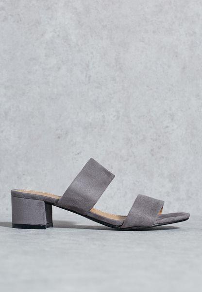 Two strap mule