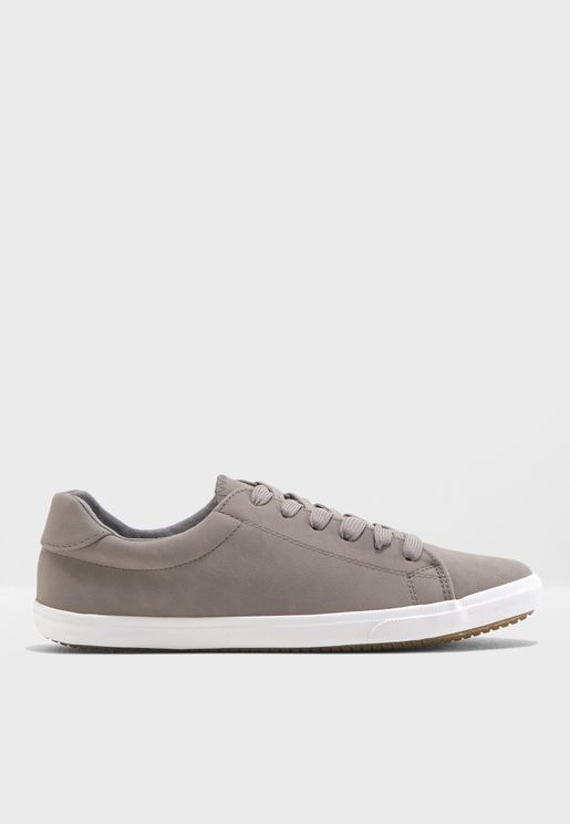 Moggy 2 Lace Up Sneaker