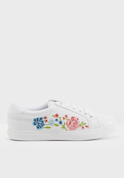 Aeryn Embroidered Low Top Sneaker