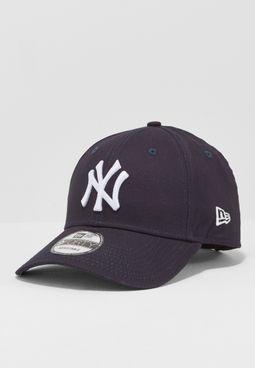 كاب بشعار نيويورك يانكيز