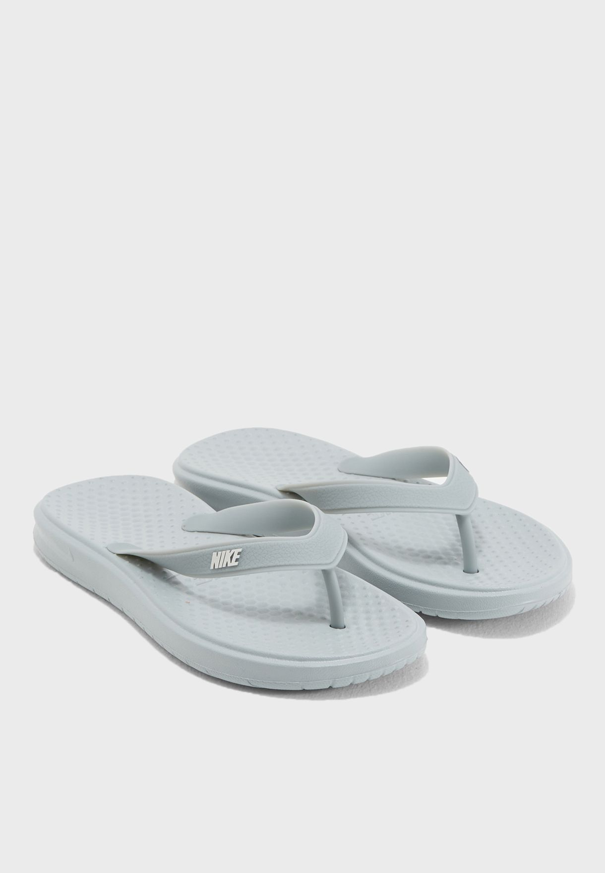new style 62843 261e0 Nike. Solay Thong