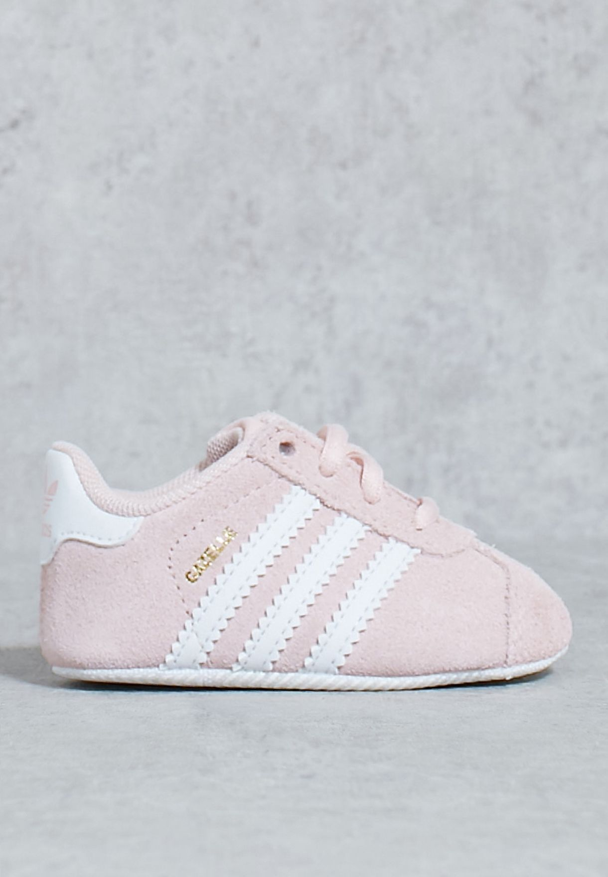 Shop adidas Originals pink Gazelle Crib BY2380 for Kids in Oman -  AD478SH73GYG a598ed1efc4