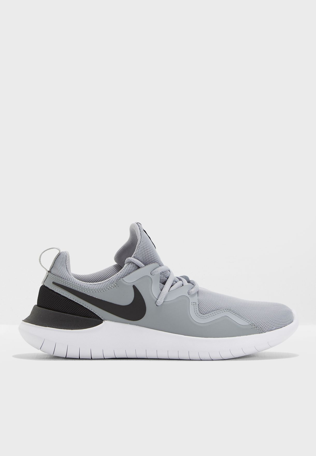 حذاء تيسين