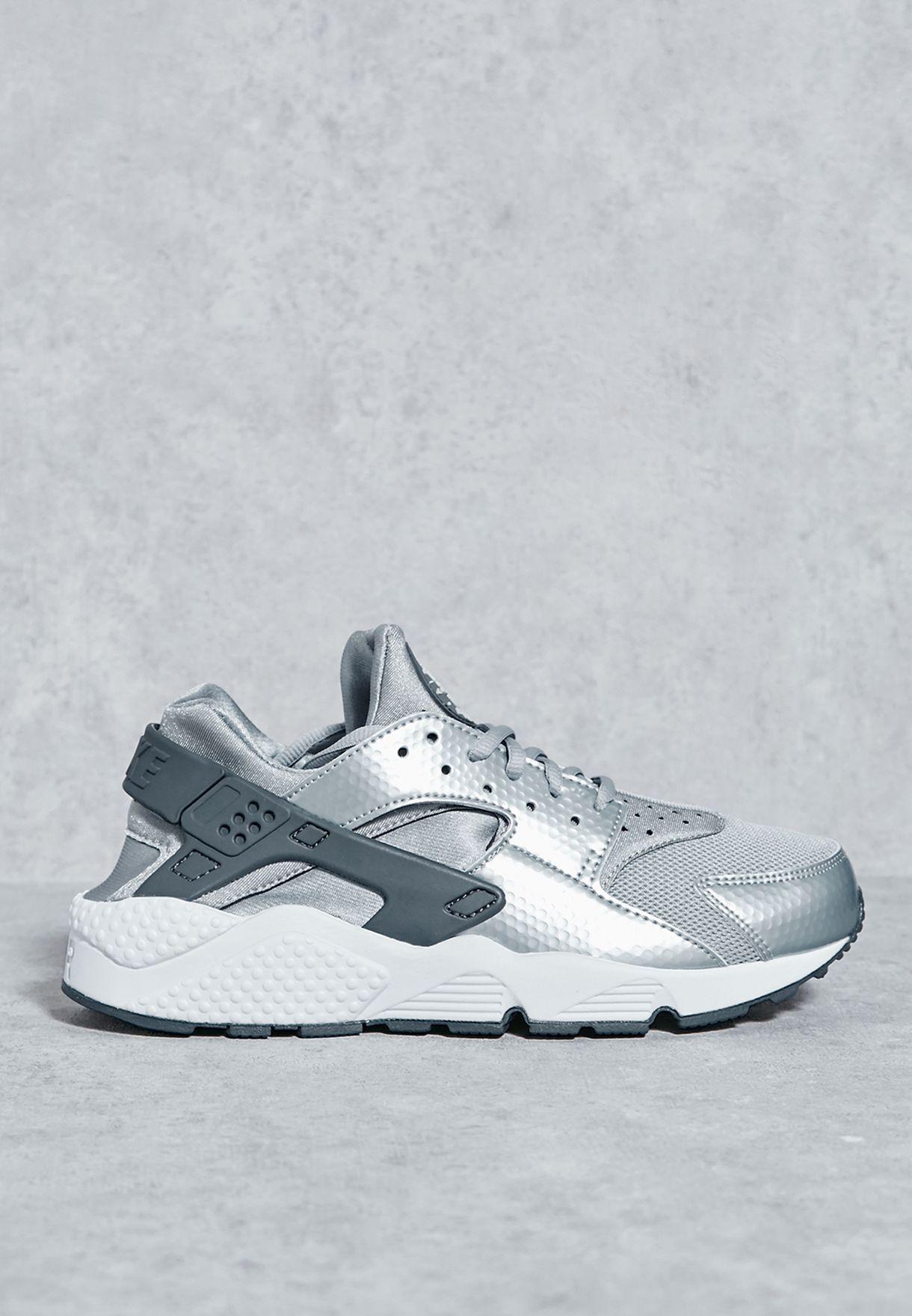 Shop Nike grey Air Huarache Run 634835-014 for Women in Kuwait -  NI727SH63KQY 77a48236ae01