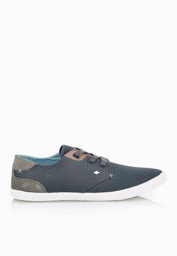 Stern Sneakers