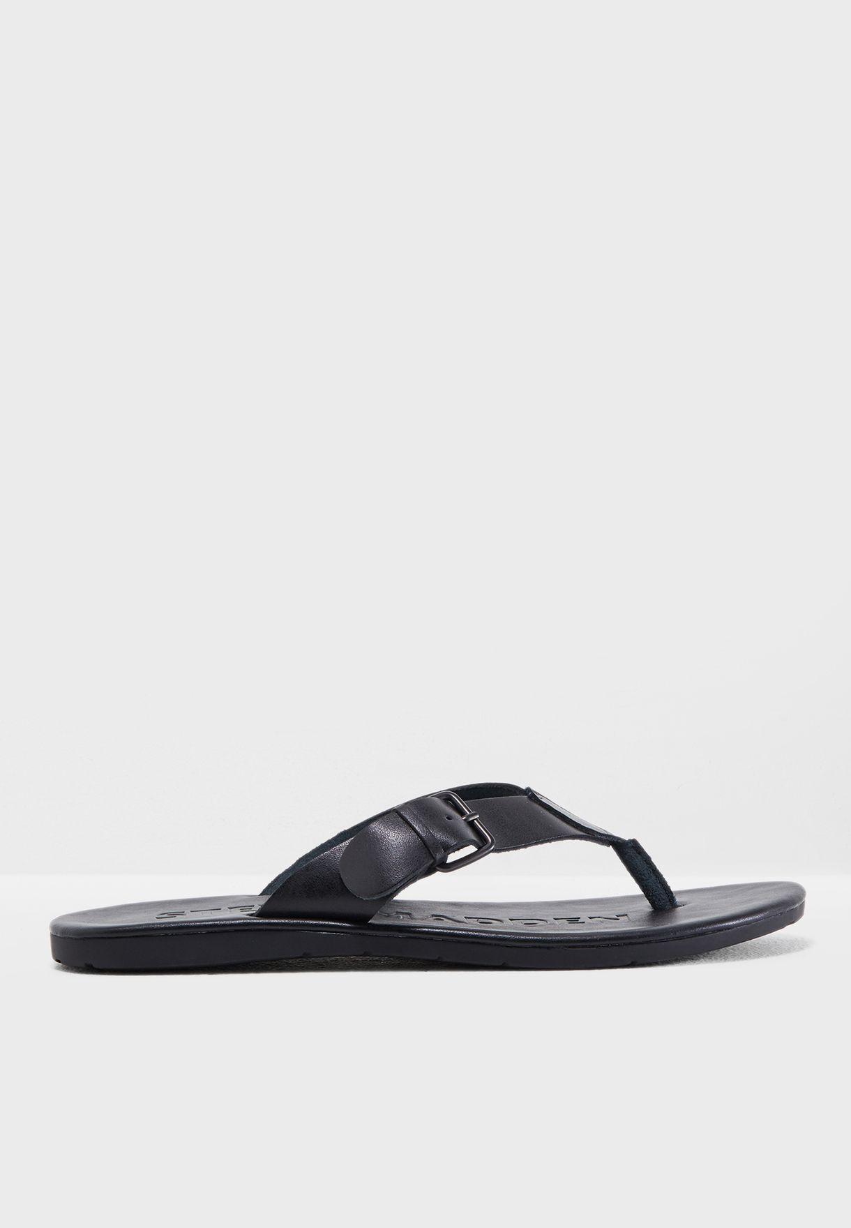 8b1d5817b950 Shop Steve Madden black Secured Sandals SECURED for Men in UAE ...