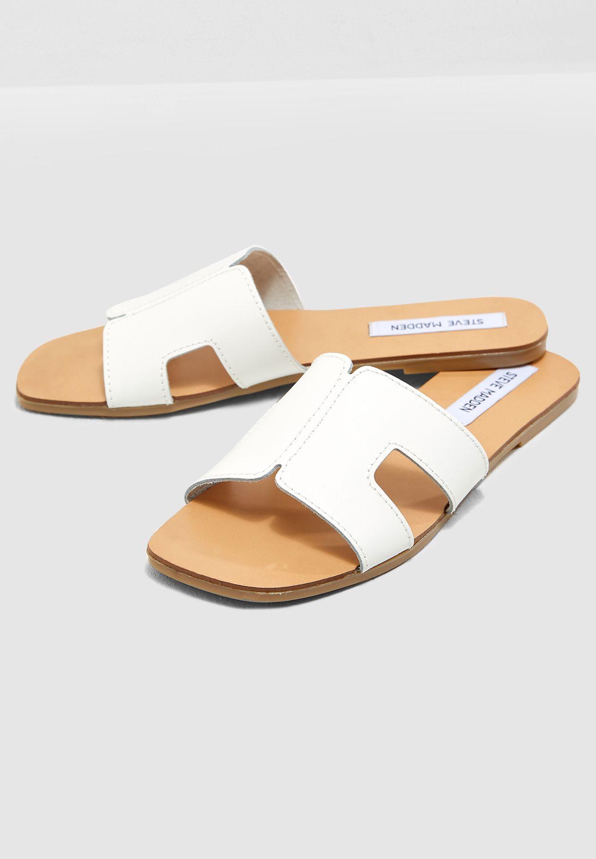 c2c05b864739 Shop Steve Madden white Sayler Flat Sandal SAYLER for Women in UAE ...