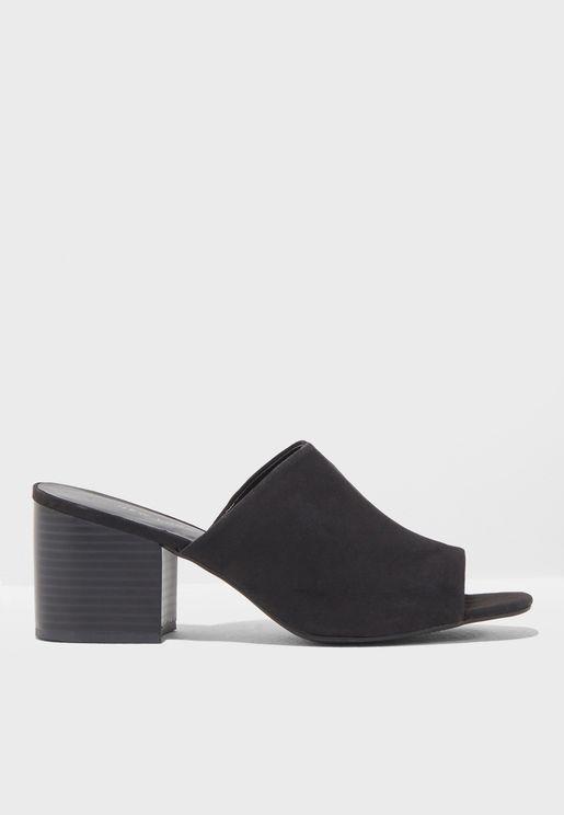 Puggle Sandal