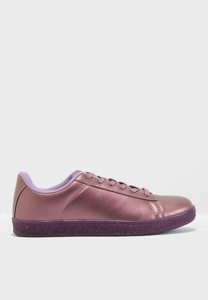 Pearl Finish Sneaker