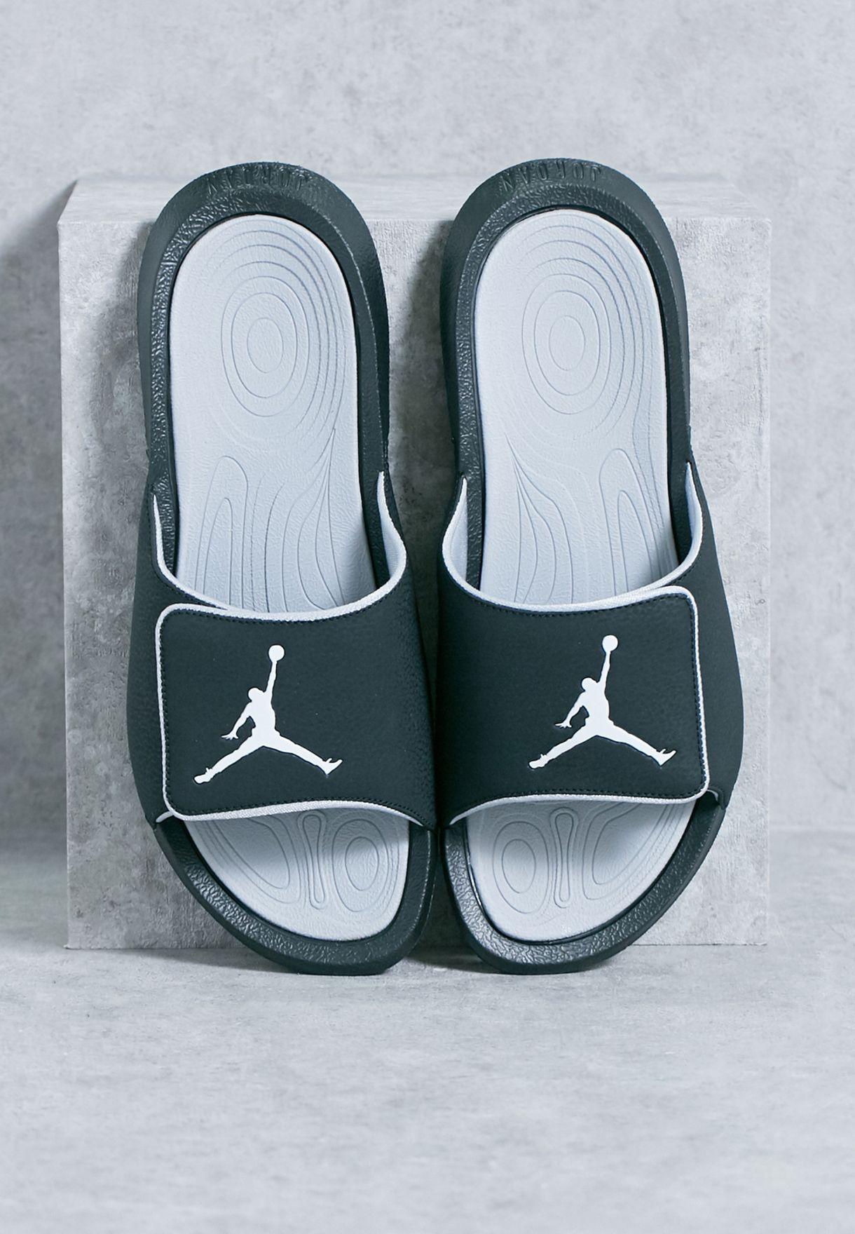 175e8167562d1a Shop Nike black Jordan Hydro 6 881473-011 for Men in Qatar - NI727SH43ZBS
