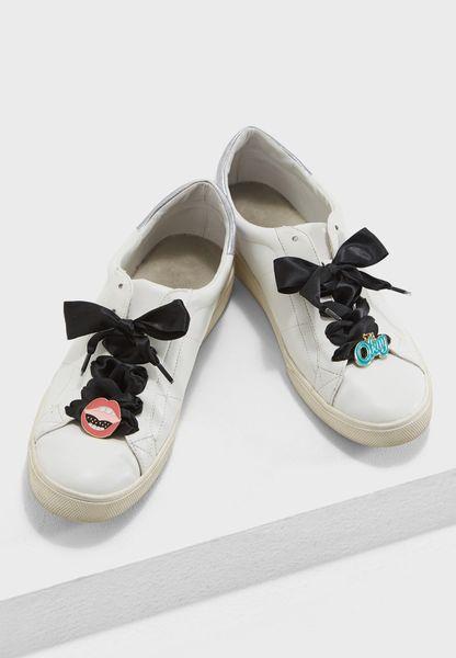 Satin Shoe Lace And Pin Set