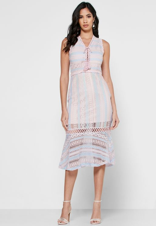فستان دانتيل مخطط مع اربطة عنق