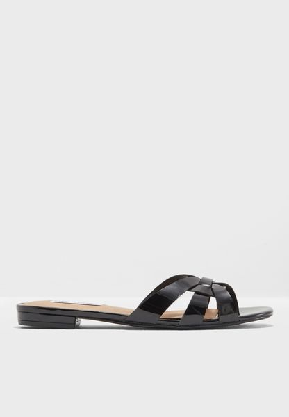 Shop Steve Madden black Kindly Flat Sandal KINDLY for Women in UAE -  ST977SH23QKE